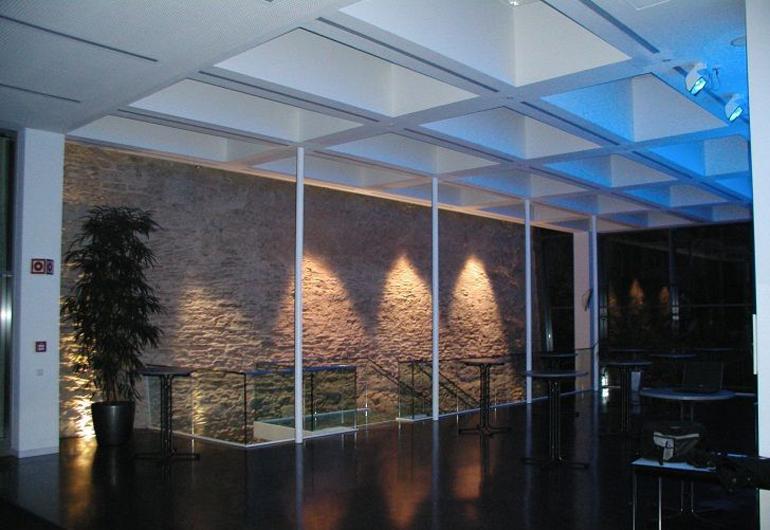 Microsoft PowerPoint - Foyer IHK Regensburg - Veranstaltungsbele